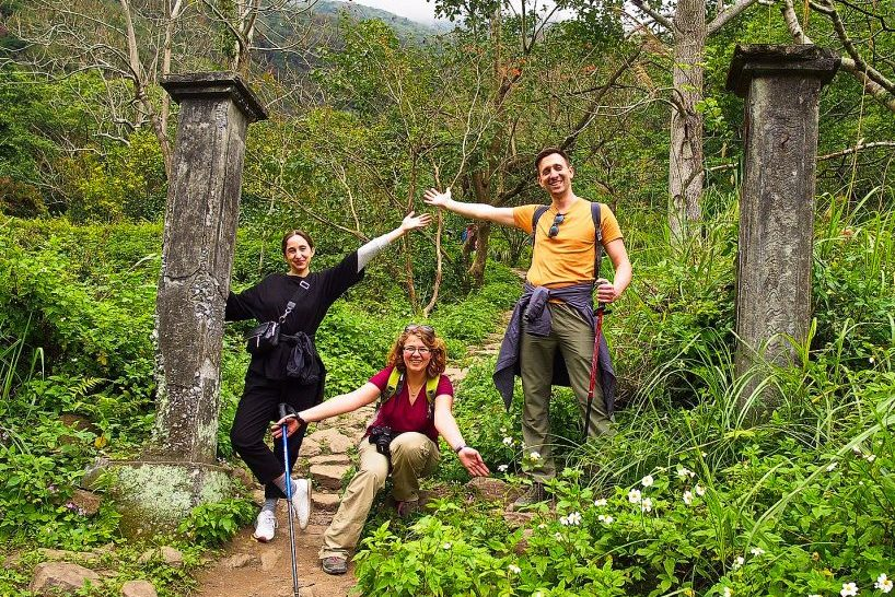 What to do in hualien. Zhuilu old trail tour in taroko gorge national park, jhuilu old trail