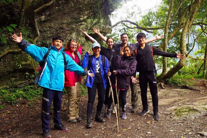 Zhuilu old trail tour on taroko gorge national park tour jhuilu old trail